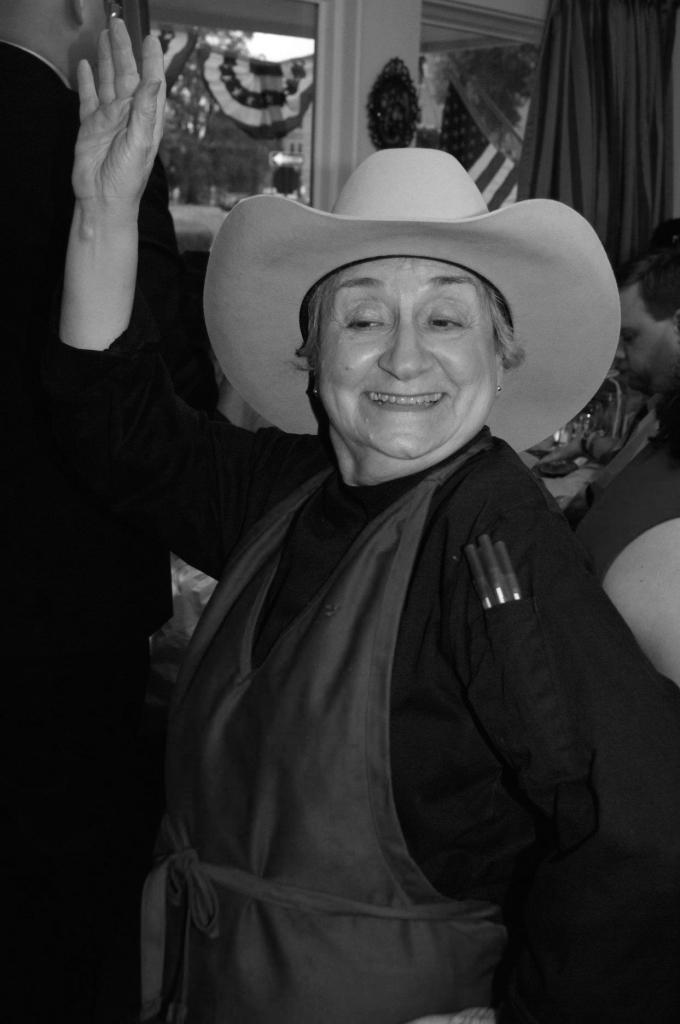 nonni hat